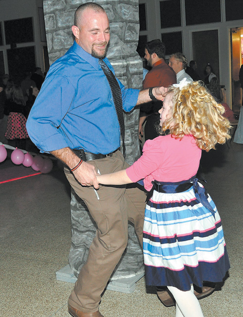 Daddy Daughter Sweetheart Dance pics, 3