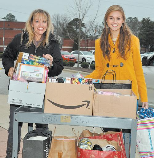 Local teen collects toys for foster children